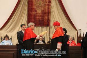 INVESTIDURA DR. HONORIS CAUSA PROF DR. FRANCISCO MUÑOZ CONDE CATEDRÁTICO DE DERECHO PENAL UNIVERSIDAD PABLO DE OLAVIDE