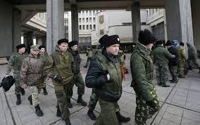 TROPAS RUSAS EN CRIMEA-Y PRESENTES EN ELL REFEREMUMD INCONSTITUCIONAL E ILEGITIMO CELEBRADO