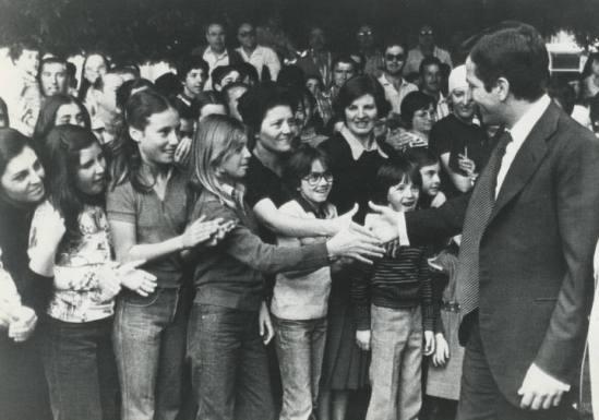 Adolfo Suárez, acompañado de su hijo Adolfo, en Oviedo, donde se le hizo entrega en 1996 del premio Príncipe de Asturias de la Concordia.