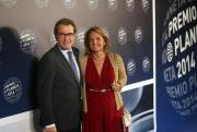 Las empresas del cuñado y la sobrina de Mas recibieron 305 millones de la Generalidad Los beneficiados son Joan Antoni Rakosnik Tomé y María Eugenia Menéndez Rakosnik, parientes de la esposa del presidente catalán. - Seguir leyendo: http://www.libertaddigital.com/espana/2014-10-23/las-empresas-del-cunado-y-la-sobrina-de-mas-recibieron-305-millones-de-la-generalidad-1276531480/