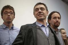 Íñigo Errejón, Juan Carlos Monedero y Pablo Iglesias. (Efe)Íñigo Errejón, Juan Carlos Monedero y Pablo Iglesias. (Efe)