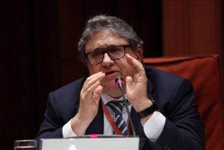 El asesor fiscal de la familia Pujol Joan Anton Sánchez Carrete, durante su comparecencia hoy ante la comisión sobre fraude, evasión fiscal y corrupción del Parlament de Cataluña. EFE