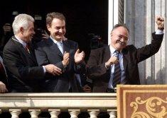 Toma de posesión de Pasqual Maragall en 2003, con José-Luis Rodríguez Zapatero,
