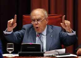 El expresidente catalán Jordi Pujol durante su comparecencia en el Parlament.- Declara por la fortuna oculta en el extranjero.-