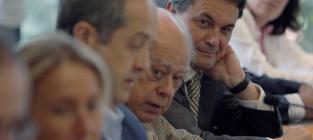 """ERC Y CIU intentan posponer la Comisión de Investigación gestada por el Parlamento catalán para después de la Consulta """"simulacro"""" 9N.- El caso """"Pujol"""" una plaga para CIU que seguirá como COMISIÓN DE INVESTIGACIÓN..""""O DEBE SEGUIR, SI O SI!.- OJO A LA DESCONEXIÓN QUE ESTÁN BUSCANDO TAN """"SOLAPADAMENTE"""" CUANOD NO POSEEN NI APOYO JURIDICO NI LEGITIMACIÓN POPULAR CON SUS 72 ESCAÑOS ARMADOS DE UN ACUERDO POLITICO.- El caso del fraude fiscal de la familia Pujol, por reconocimiento del propio Jordi Pujol en su confesión continuará como Comisión de Investigación en el Parlament http://www.elconfidencial.com/espana/cataluna/2014-08-02/el-caso-pujol-una-plaga-para-ciu-que-seguira-como-comision-de-investigacion_169903/"""