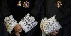 Comunicado del Tribunal Superior de Justicia de Cataluña que defiende los 'criterios estrictamente jurídicos' al imputar a Artur Mas, y advierte de que no es democrático intentar 'deslegitimar' al poder judicial por intereses partidistas http://cadenaser.com/emisora/2015/10/01/radio_barcelona/1443702074_907350.html