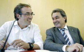 """El coordinador general de CDC, Josep Rull, Y Artur Más.- """"Tenemos que hacer todo lo posible para llegar a un acuerdo aseguran en CDC."""