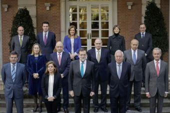"""PRESIDENTE DE ESPAÑA MARIANO RAJOY VICEPRESIDENTA SORAYA SAENZ DE SANTAMARIA Y EQUIPO MINISTERIAL EN EL INGRESO DE """" LA MONCLOA"""""""