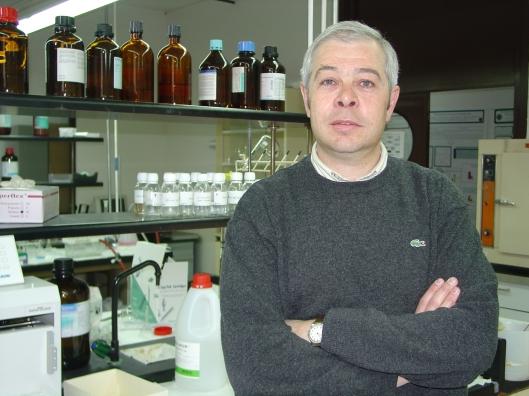 Celestino Santos, Catedrático del departamento de Química Analítica, Nutrición y Bromatología