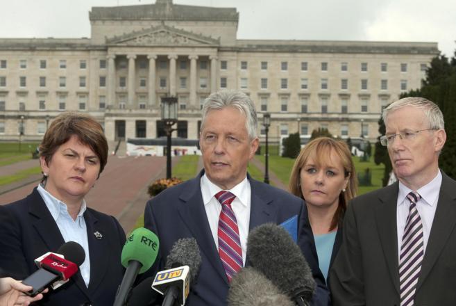 La dimisión del ministro principal de Irlanda del Norte pone el riesgo el proceso de paz