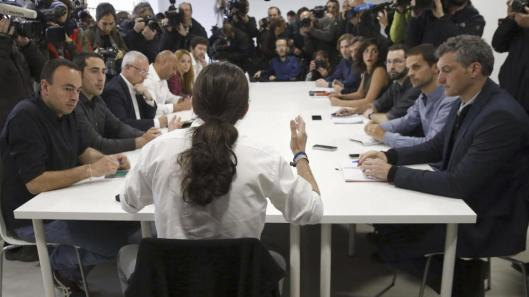 PACTOS ELECTORALES RECOGIDOS POR PODEMOS Y SUS SUMAS CON PSOE, BILDU Y HASTA  LOS NACIONALISTAS