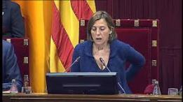 """Las Conclusiones adoptadas por la COMISIÓN DE ESTUDIO DEL PROCESO CONSTITUYENTE"""" y que fueran aprobadas en el orden del dia del Pleno, forzándose una modificación del mismo, """"contemplan «mecanismos unilaterales», que la CUP reduce a un referéndum unilateral, para activar la «desconexión» de Cataluña con España». Las conclusiones que avalan la vía unilateral a la independencia, se aprobaron con el voto de, los 72 a favor de JxSí y la CUP y los 11 en contra de Catalunya Sí que es Pot (CSQP). Es decir, en el emiciclo, existieron 83 votos.- El Tribunal explica que «ha conocido las conclusiones aprobadas por la Comisión» y que «constata que su contenido contraviene claramente los mandatos a que se viene haciendo referencia». Se trata de «una apreciación» del TC que los cargos y autorid"""