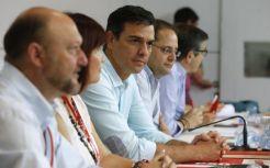 ASI NO SE CONSTRUYE EN DEBIDA FORMA UN ESTADO, Y MENOS EN LAS CIRCUNSTANCIAS QUE SE VIVEN HOY!.- POR ALGO SOLO POSEEN LUEGO DEL 26J, 85 ESCAÑOS! Pedro Sánchez: el PSOE votará 'no' a Rajoy y liderará la oposición en la nueva El secretario general del PSOE, Pedro Sánchez (3i), junto al... El secretario general del PSOE, Pedro Sánchez (3i), junto al secretario de Organización y Acción electoral, César Luena (2d), y el secretario de Acción Política y Ciudadana, Patxi López (d), la presidenta del partido, Micaela Navarro (2i), y el secretario de Política Federal, Antonio Pradas (i), durante la reunión hoy del Comité Federal del PSOE para fijar su postura sobre la formación de gobierno tras las elecciones generales.EFE http://www.expansion.com/economia/politica/2016/07/09/5780b4c3e2704e8e388b46bf.html