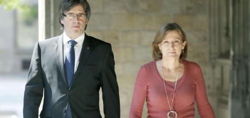 Carles Puigdemont y Carmen Forcadell, dos de los «señalados» por el TC Efe Leer más: Desacato soberanista al TC http://www.larazon.es/espana/el-tc-suspendera-por-unanimidad-la-resolucion-que-aprobo-la-desconexion-DG13266225?sky=Sky-Julio-2016#Ttt18gksn5VwRwed Convierte a tus clientes en tus mejores vendedores: http://www.referion.com
