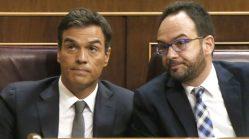 El secretario general del PSOE, Pedro Sánchez (i), y el portavoz del grupo, Antonio Hernando, durante la segunda sesión del debate de investidura del candidato del PP, Mariano Rajoy (Foto: Efe)http://okdiario.com/espana/2016/09/23/sanchez-ya-negocia-erc-cdc-pnv-bildu-espaldas-barones-396673
