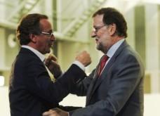"""Mariano Rajoy junto al candidato del PP a lehendakari, Alfonso Alonso, al inicio del mitin electoral que este partido ha celebrado hoy en Vitoria Leer más: Rajoy: Votar al PP es garantía de defensa del marco constitucional http://www.larazon.es/elecciones-pais-vasco/rajoy-votar-al-pp-es-garantia-de-defensa-del-marco-constitucional-NP13586193?sky=Sky-Septiembre-2016#Ttt1CGjm360qyNKd Convierte a tus clientes en tus mejores vendedores: Alfonso Alonso asegura que el PP es el """"freno al exceso de los nacionalistas y la alternativa al """"proyecto"""" del PNV Leer más: Rajoy: Votar al PP es garantía de defensa del marco constitucional http://www.larazon.es/elecciones-pais-vasco/rajoy-votar-al-pp-es-garantia-de-defensa-del-marco-constitucional-NP13586193?sky=Sky-Septiembre-2016#Ttt1CGjm360qyNKd Convierte a tus clientes en tus mejores vendedores: http://www.referion.com"""