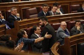 el-portavoz-adjunto-de-erc-en-el-congreso-gabriel-rufian-durante-la-votacion-del-debate-de-investidura-del-lider-del-pp-mariano-rajoy-julian-rojas