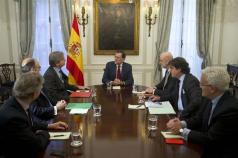El presidente del Gobierno, Mariano Rajoy, comparece ante los medios de comunicación tras reunirse con los embajadores de España en Estados Unidos, ante la Organización de Naciones Unidas (ONU) y ante la Organización de los Estados Americanos (OEA). Nueva York (Estados Unidos) - 19/12/2016http://www.lamoncloa.gob.es/multimedia/galeriasfotograficas/presidente/Paginas/2016/191216-rajoyny.aspx