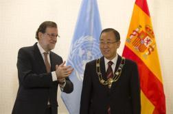 El presidente del Gobierno, Mariano Rajoy, junto al secretario general de Naciones Unidas, Ban Ki-moon; su esposa, Ban Soon-taek; el vicesecretario general de la ONU, Jan Eliasson, y el jefe de Gabinete del secretario general, Edmond Mulet, tras la ceremonia de entrega de condecoraciones por parte del jefe del Ejecutivo español. Secretaría General de Naciones Unidas, Nueva York (Estados Unidos) - 20/12/2016http://www.lamoncloa.gob.es/multimedia/galeriasfotograficas/presidente/Paginas/2016/201216rajoy-bankimoon.aspx