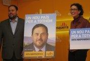 """Junqueras y Rovira anunciando su nuevo país para todos (los que piensan como ellos).""""SIN PALABRAS"""" https://clementepolo.wordpress.com/tag/pacto-nacional-por-el-referendum/"""