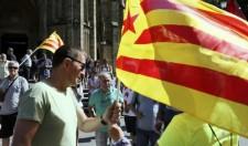 El coordinador general de EH Bildu, Arnaldo Otegi, en la manifestación de San Sebastián en la que han ondeado ikurriñas y esteladas Leer más: Bildu y la CUP se manifiestan a favor de la independencia de Cataluña en San Sebastián http://www.larazon.es/espana/bildu-y-la-cup-se-manifiestan-a-favor-de-la-independencia-de-cataluna-en-san-sebastian-PE15778722?sky=Sky-Agosto-2017#Ttt1VdlpYARRIPQH Convierte a tus clientes en tus mejores vendedores: http://www.referion.com