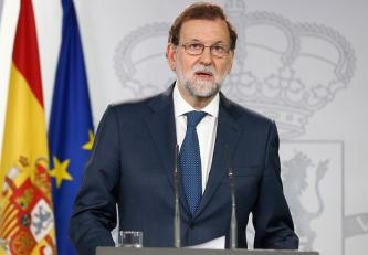 El Presidente del Gobierno, Mariano Rajoy, durante la rueda de prensa tras el Consejo de Ministros extraordinario que ha decidido recurrir el referéndum ilegal de determinación en Cataluña. Foto, Pool Moncloa/Diego Crespo.http://eastwind.es/tribunal-constitucional-suspende-la-ley-referendum-2/