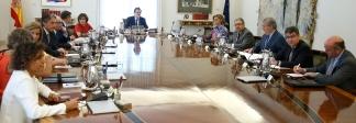 El Presidente del Gobierno, Mariano Rajoy, preside la reunión del Consejo de Ministros extraordinario. Imagen, Pool Moncloa/Diego Crespohttp://eastwind.es/tribunal-constitucional-suspende-la-ley-referendum-2/