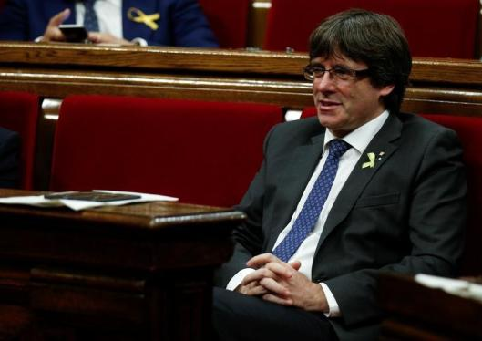"""Puigdemont no se da por cesado y llama a seguir trabajando por un """"país libre"""""""