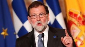En el ambiente político no huele a adelanto electoral, por mucho que el Gobierno de Rajoy solo tenga detrás a los 134 diputados del PP y a pesar de que los Presupuestos Generales de 2018 siguen en la lista de espera del Consejo de Ministros, hasta que exista un acuerdo para su aprobación. En la calle tampoco se percibe un cambio en el calendario electoral, ni siquiera por quienes más podrían presionar para provocarlo. La encuesta de GAD3 desvela que siete de cada diez españoles están convencidos de que Mariano Rajoy podrá terminar la legislatura. Dicho de otra manera, la mayoría ve un horizonte de estabilidad en España al menos hasta el verano de 2020, momento previsto para las próximas elecciones generales.http://www.abc.es/espana/abci-siete-cada-diez-creen-rajoy-tendra-estabilidad-hasta-2020-201801150206_noticia.html#ns_campaign=rrss-inducido&ns_mchannel=abc-es&ns_source=fb&ns_linkname=noticia.foto&ns_fee=0