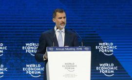 Su Majestad el Rey durante su intervención en el Foro Económico Mundial © Casa de S.M. el Rey http://www.casareal.es/ES/Actividades/Paginas/actividades_actividades_detalle.aspx?data=13431