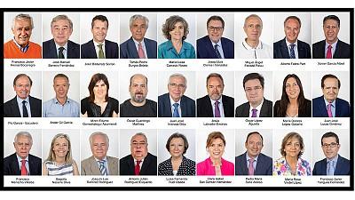 LOS 27 SENADORES QUE APROBARON EL ART 155 DE LA CE PARA EL REESTABLECIMIENTO DE LA LEGALIDAD PERDIDA EN CATALUÑA Y EN RESGUARDO, DE LA SOBERANIA Y UNIDAD DE ESPAÑA, EN LA CÁMARA DE SENADORES www.google.es