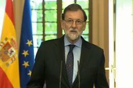 """Mariano Rajoy sobre la disolución de ETA: 'No hubo ni habrá impunidad' EUROPA PRESS El presidente del Gobierno , en una declaración institucional acordada por el Consejo de Ministros, ha rendido hoy homenaje y recuerdo a todas las victimas de ETA """"sin distinción"""" porque su relato, """"el único posible"""", ha sido clave para la derrota de la banda. https://www.cambio16.com/espana/declaracion-institucional-sobre-eta/"""