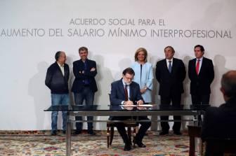 ACUERDO SOCIAL PATRONAL: CEOS Y CEPYME Y SINDICATOS. MINISTRO DE TRABAJO FÁTIMA BAÑEZ Y PRESIDENTE